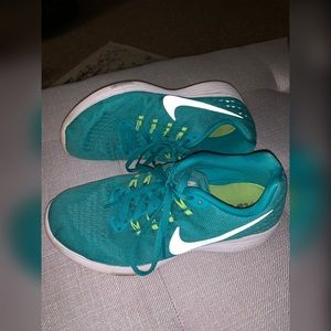 Women's Nike Running Shoe
